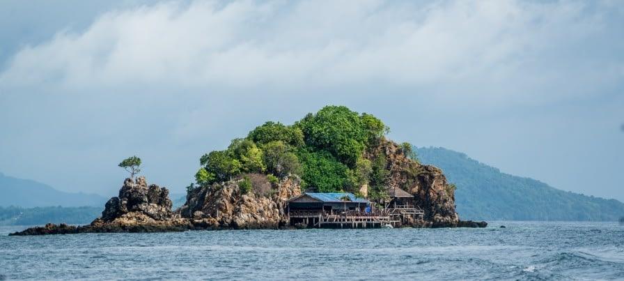 Phi Phi Island | TRAVELMONKRIDER